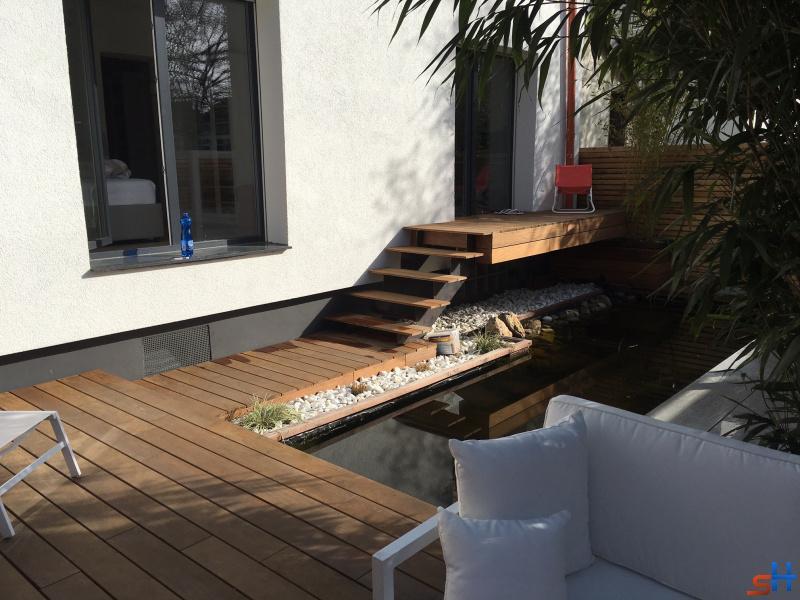 h rth. Black Bedroom Furniture Sets. Home Design Ideas